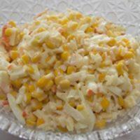 Крабовый салат с кукурузой