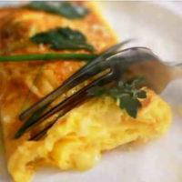 Омлет фаршированный колбасой или грибами