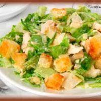 Салат «Цезарь» с курицей и пекинской капустой