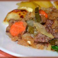 Говядина по-старорусски с овощами