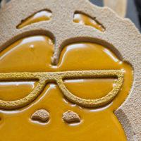 Современные десерты: муссовый торт «Кикки» с манго и гречкой