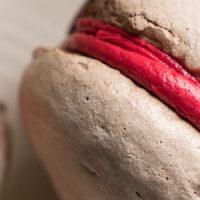 Сэндвичи из меренги с малиной в стиле Йо