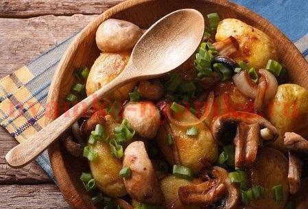 теплый салат из картофеля