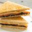 Идея завтрака: сэндвич с икрой и рыбой