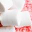 Розовый бисквитный торт «Три шоколада»